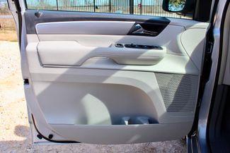 2009 Volkswagen Routan SEL Sealy, Texas 28
