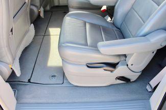 2009 Volkswagen Routan SEL Sealy, Texas 32