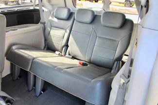 2009 Volkswagen Routan SEL Sealy, Texas 33