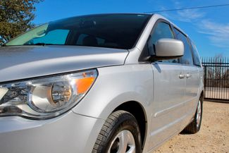 2009 Volkswagen Routan SEL Sealy, Texas 4