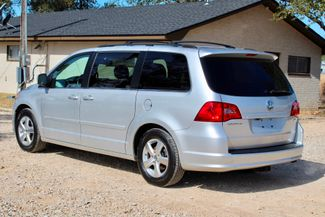 2009 Volkswagen Routan SEL Sealy, Texas 7