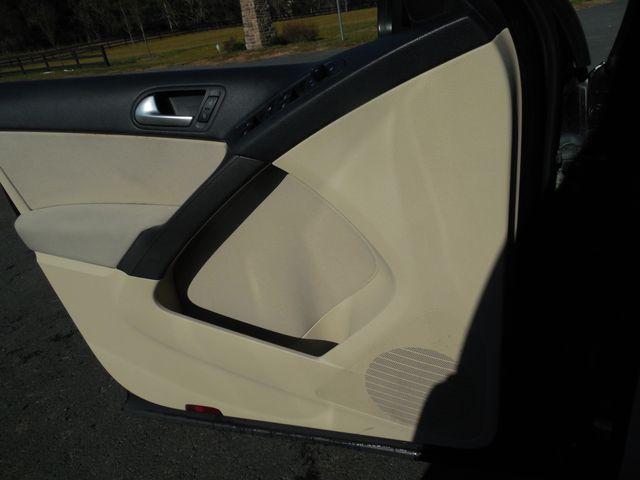 2009 Volkswagen Tiguan S Leesburg, Virginia 42