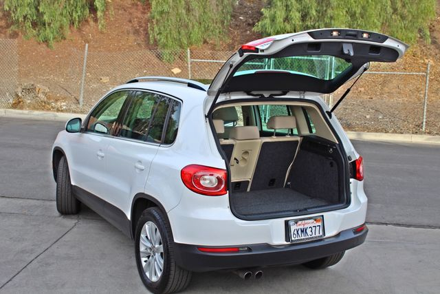 2009 Volkswagen TIGUAN SE 74K MLS 1-OWNER AUTOMATIC PANORAMIC ROOF NAVIGATION Woodland Hills, CA 13