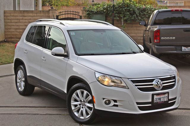 2009 Volkswagen TIGUAN SE 74K MLS 1-OWNER AUTOMATIC PANORAMIC ROOF NAVIGATION Woodland Hills, CA 9