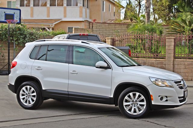2009 Volkswagen TIGUAN SE 74K MLS 1-OWNER AUTOMATIC PANORAMIC ROOF NAVIGATION Woodland Hills, CA 7