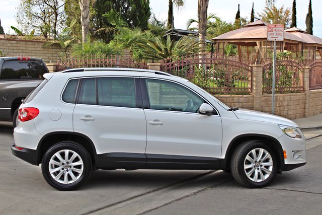 2009 Volkswagen TIGUAN SE 74K MLS 1-OWNER AUTOMATIC PANORAMIC ROOF NAVIGATION Woodland Hills, CA 8