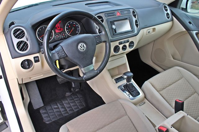 2009 Volkswagen TIGUAN SE 74K MLS 1-OWNER AUTOMATIC PANORAMIC ROOF NAVIGATION Woodland Hills, CA 15