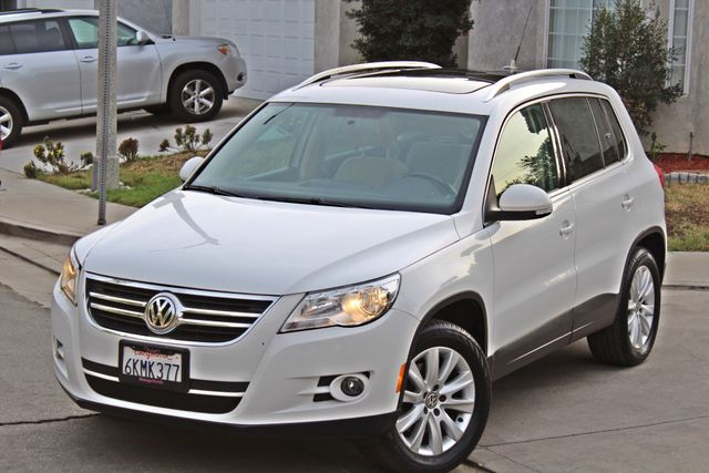 2009 Volkswagen TIGUAN SE 74K MLS 1-OWNER AUTOMATIC PANORAMIC ROOF NAVIGATION Woodland Hills, CA 11