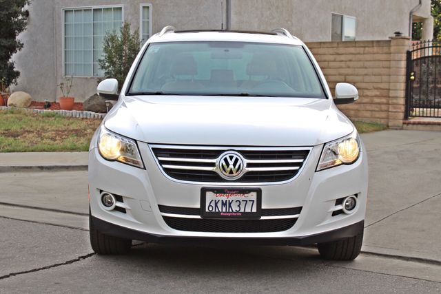 2009 Volkswagen TIGUAN SE 74K MLS 1-OWNER AUTOMATIC PANORAMIC ROOF NAVIGATION Woodland Hills, CA 10