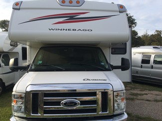 2010 Winnebago Outlook 29B Katy, Texas 1