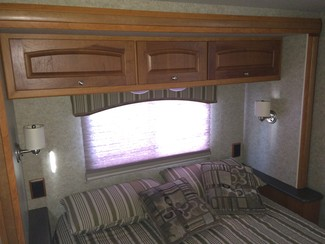 2010 Winnebago Outlook 29B Katy, Texas 43