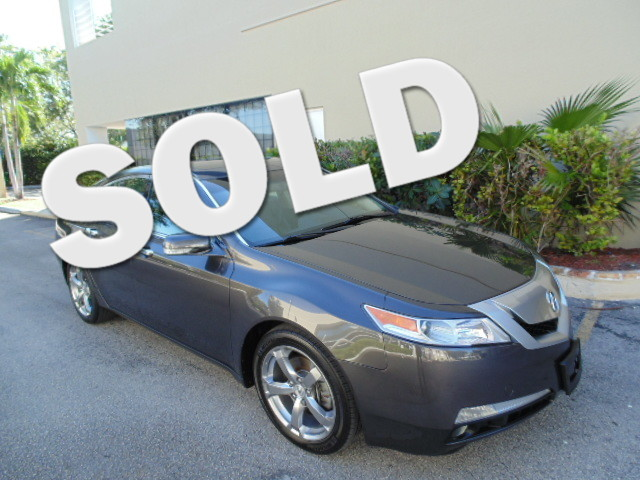 2010 Acura TL Tech This 2010 ACURA TL with technology pkg is a non-smoker florida car and is car