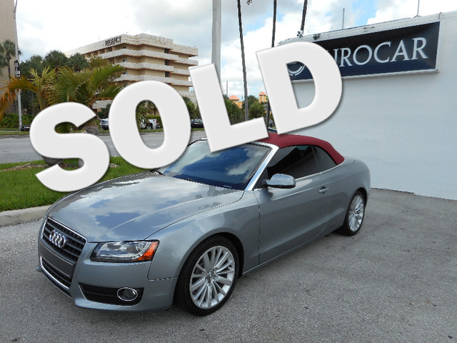 2010 Audi A5 Premium Plus NEW TIRES and LEATHER Light Gray Leather So few miles means its l