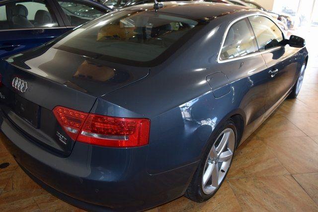 2010 Audi A5 2.0L Premium Plus Richmond Hill, New York 3