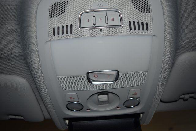 2010 Audi A5 2.0L Premium Plus Richmond Hill, New York 32