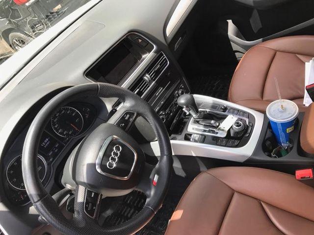 2010 Audi Q5 Premium Plus Batavia, Illinois 2