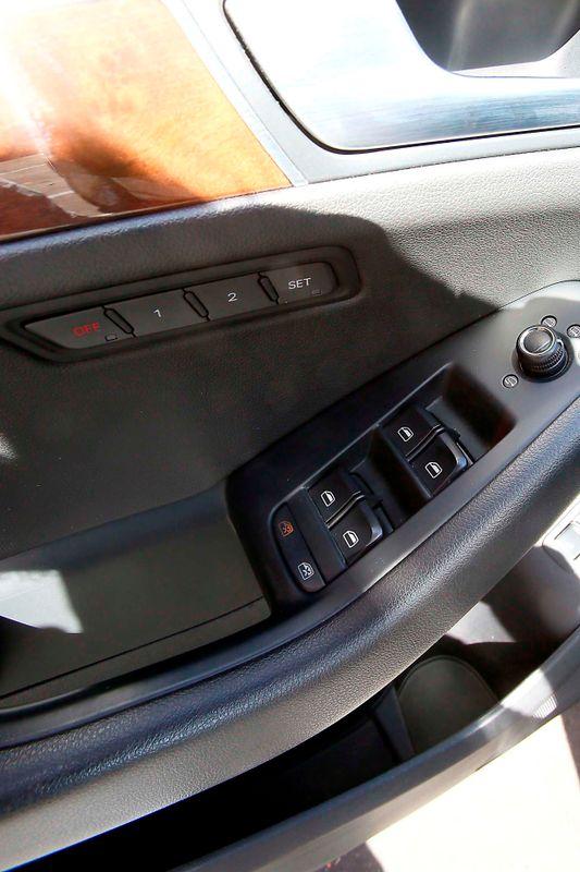 2010 Audi Q5 Premium Plus - 32L V6 - Navigation  city California  MDK International  in Los Angeles, California