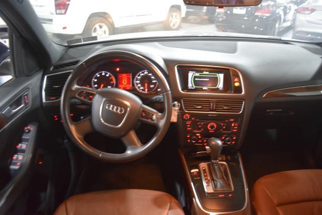 2010 Audi Q5 Premium Richmond Hill, New York 5
