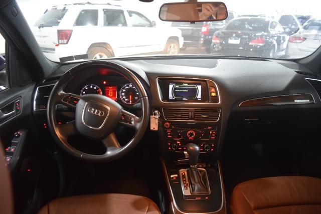 2010 Audi Q5 Premium Richmond Hill, New York 6