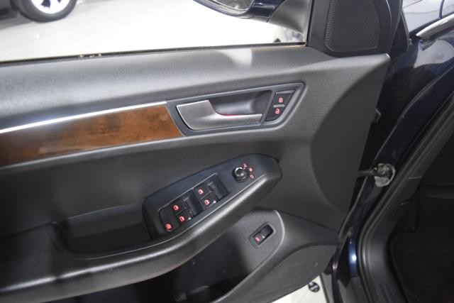 2010 Audi Q5 Premium Richmond Hill, New York 7