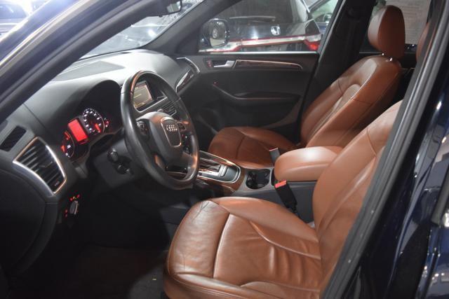 2010 Audi Q5 Premium Richmond Hill, New York 8