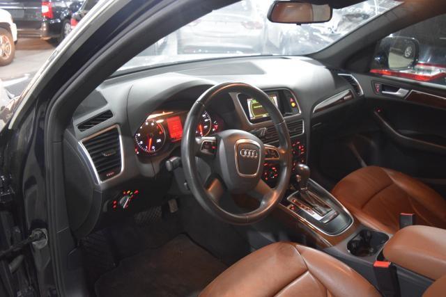 2010 Audi Q5 Premium Richmond Hill, New York 9
