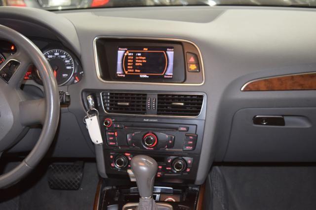 2010 Audi Q5 Premium Plus Richmond Hill, New York 12