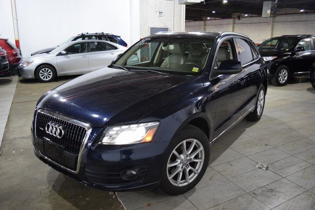 2010 Audi Q5 Premium Plus Richmond Hill, New York 1