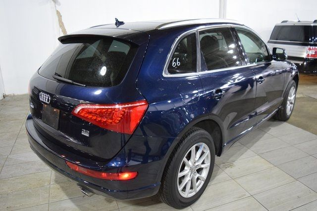 2010 Audi Q5 Premium Plus Richmond Hill, New York 10