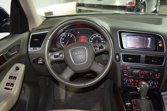 2010 Audi Q5 Premium Plus Richmond Hill, New York 16