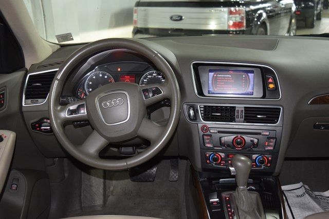 2010 Audi Q5 Premium Plus Richmond Hill, New York 19