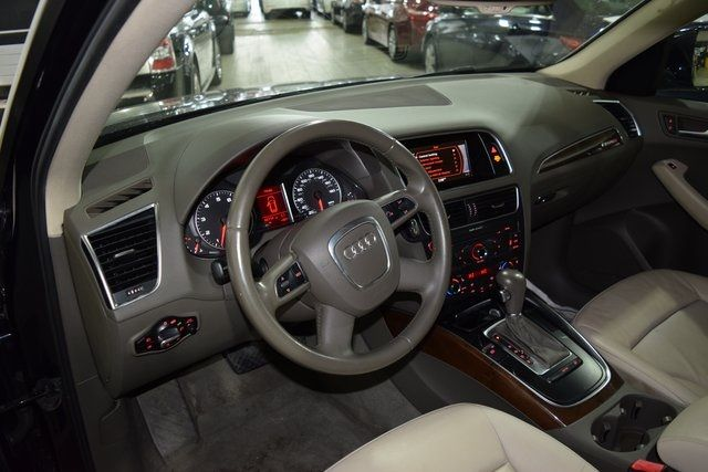2010 Audi Q5 Premium Plus Richmond Hill, New York 25