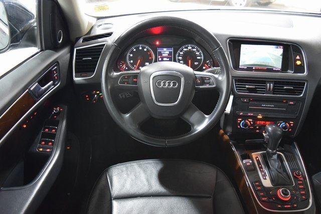 2010 Audi Q5 Premium Plus Richmond Hill, New York 22