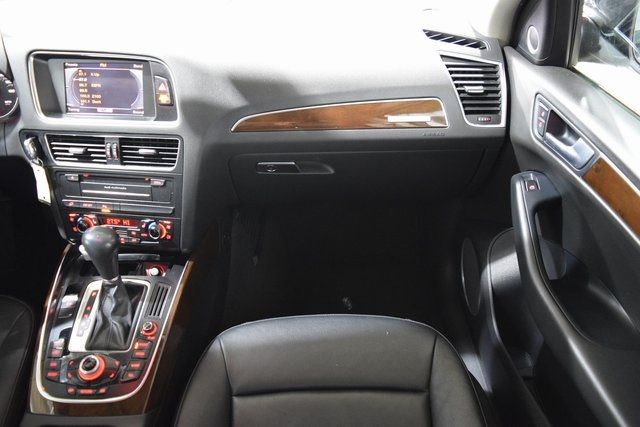 2010 Audi Q5 Premium Plus Richmond Hill, New York 23