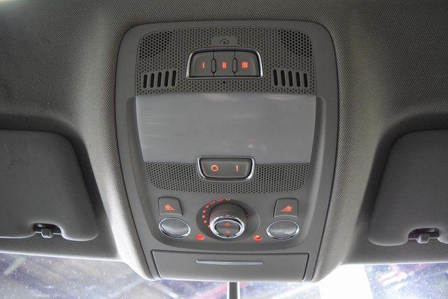 2010 Audi Q5 Premium Plus Richmond Hill, New York 24