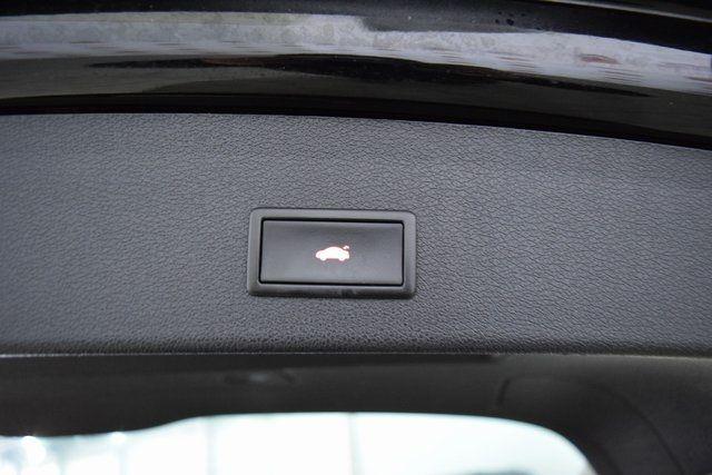2010 Audi Q5 Premium Plus Richmond Hill, New York 30