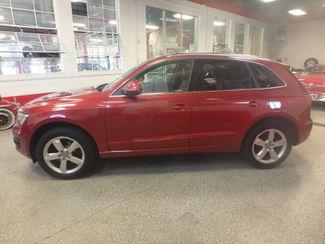 2010 Audi Q5 Premium Plus PKG! ABSOLUTELY LOADED, SHARP AND CLEAN! Saint Louis Park, MN 1