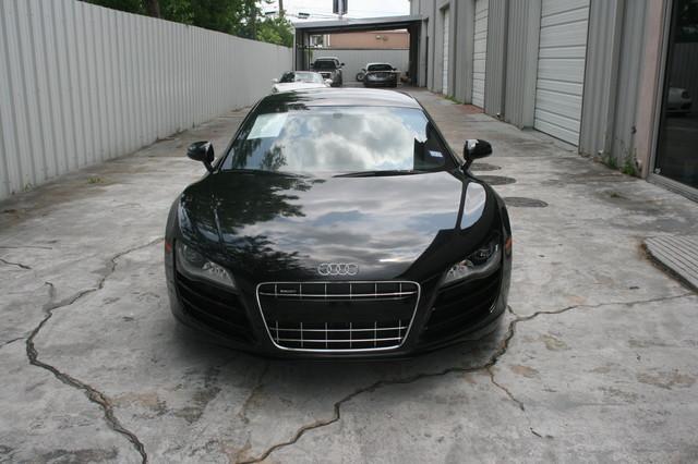 2010 Audi R8 V10 5.2L Houston, Texas 1