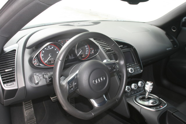 2010 Audi R8 V10 5.2L Houston, Texas 12