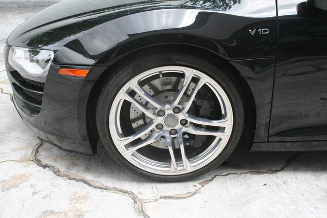 2010 Audi R8 V10 5.2L Houston, Texas 3
