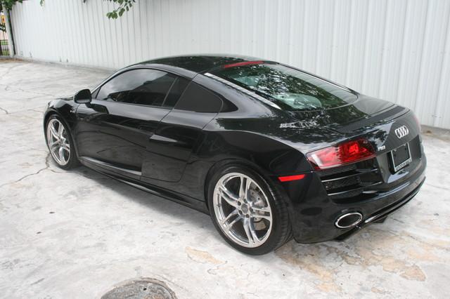 2010 Audi R8 V10 5.2L Houston, Texas 4