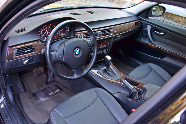 2010 BMW 328i SEDAN PREMIUM PKG ONLY 77K MLS AUTOMATIC ALLOY WHLS SERVICE RECORDS Woodland Hills, CA 12