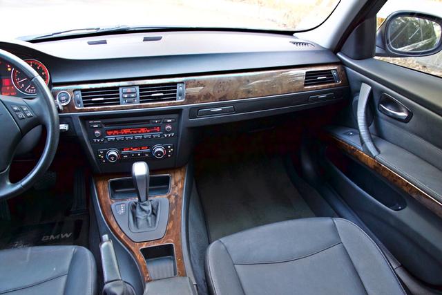 2010 BMW 328i SEDAN PREMIUM PKG ONLY 77K MLS AUTOMATIC ALLOY WHLS SERVICE RECORDS Woodland Hills, CA 19