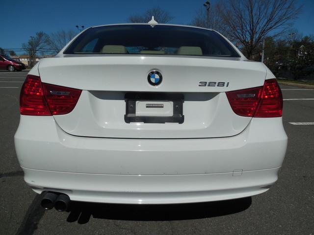 2010 BMW 328i xDrive Leesburg, Virginia 7