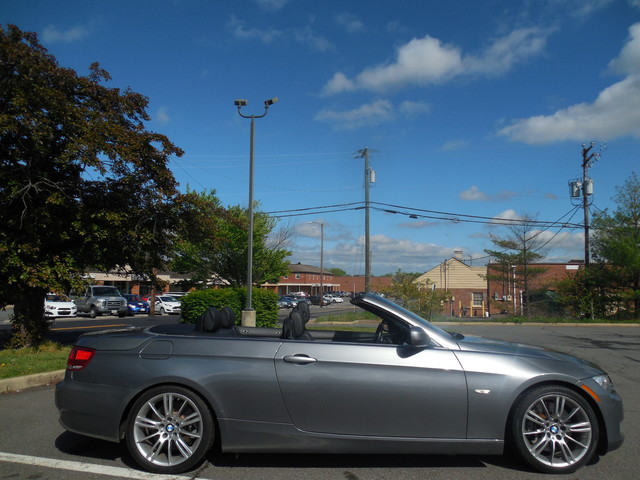 2010 BMW 335i CONVERTIBLE SPORT/PREMIUM Leesburg, Virginia 4