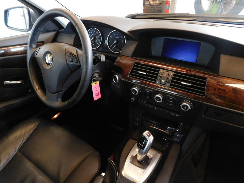 2010 BMW 528i I  city TN  Doug Justus Auto Center Inc  in Airport Motor Mile ( Metro Knoxville ), TN