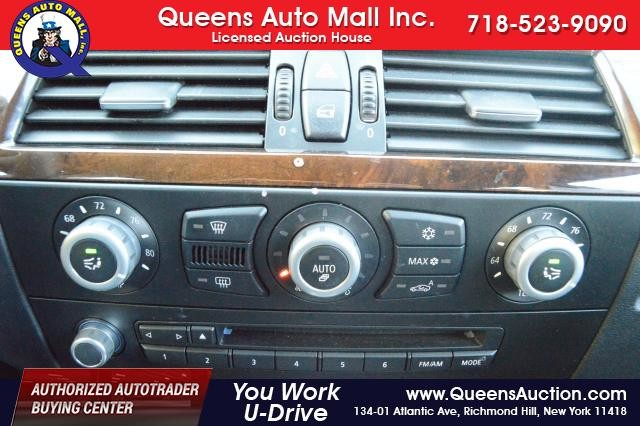 2010 BMW 528i 4dr Sdn 528i RWD Richmond Hill, New York 21