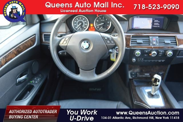 2010 BMW 528i 4dr Sdn 528i RWD Richmond Hill, New York 27