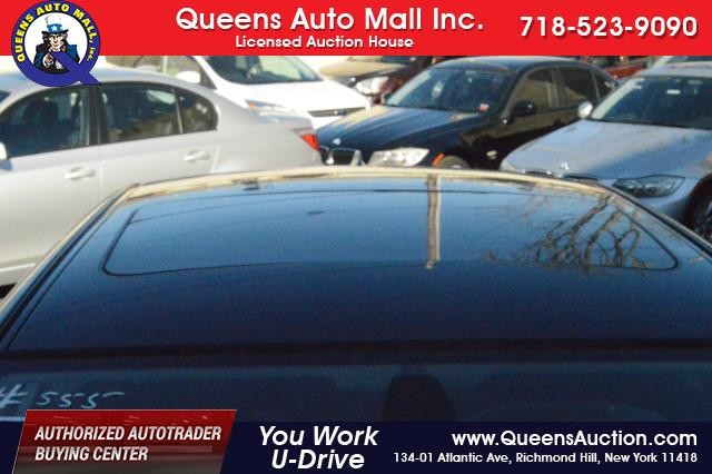 2010 BMW 528i 4dr Sdn 528i RWD Richmond Hill, New York 3