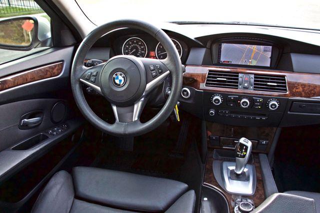 2010 BMW 528I SPORTS / PREMIUM PKG XENON SERVICE RECORDS NAVIGATION SYSTEM BLUETOOTH Woodland Hills, CA 21